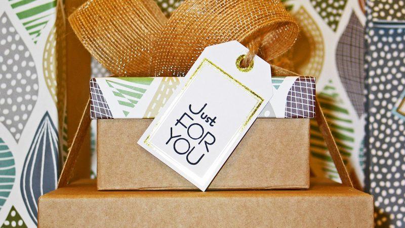 Opakowania tekturowe czyli prezent idealnie zapakowany