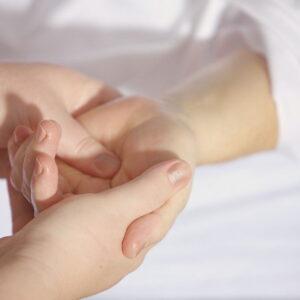 Cieśń nadgarstka – jak leczyć?